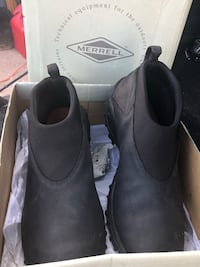 Shoes Waterproof (New In Box) (Negotiable ) Albuquerque, 87112