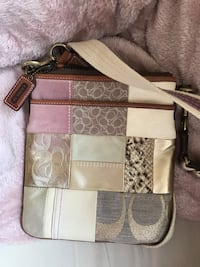 Coach Cross Body Bag  Glencoe, 60022