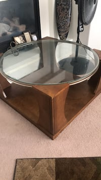 round brown wooden framed glass top coffee table Las Vegas, 89113