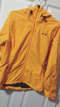 Yellow Oakley jacket Toronto, M9W