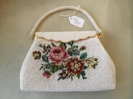 Beautiful Beaded Purse, Very Excellent Condition