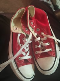 Pair of red converse all star low-top sneakers Summerville, 29483