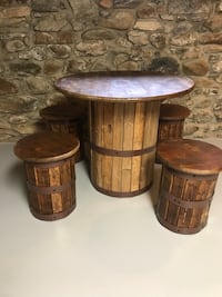Handcrafted barrel table with four stools Front Royal, 22630