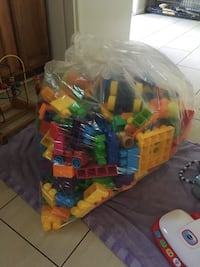Huge bag of Mega Blocks, Wagon and Truck Russell, K0A 1W0