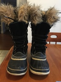 pair of black-and-brown sheepskin boots Québec, G1V
