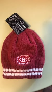 red and white Chicago Cubs knit cap Mississauga, L5W 1T7