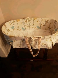 baby's white and black bassinet Vaughan, L4J