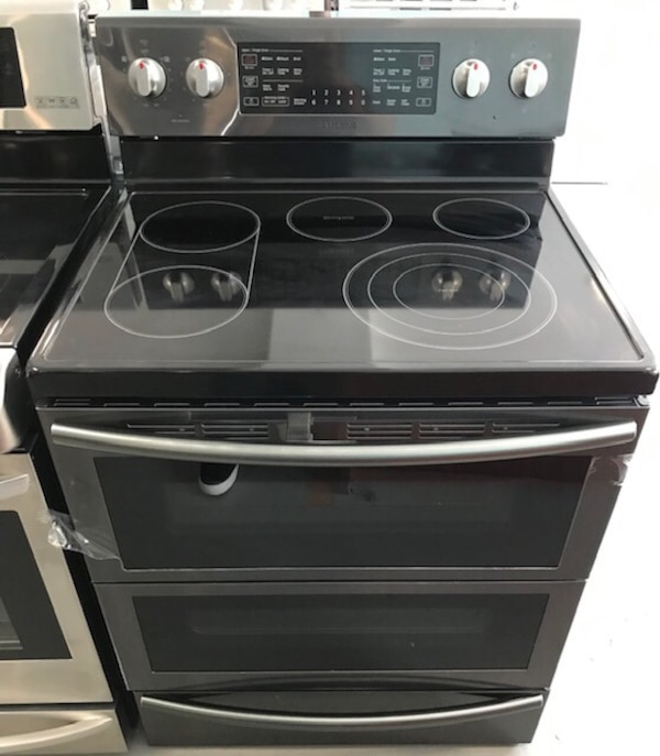 New Samsung Dark Stainless glass top stove f0712452-ef0b-491c-9d56-8bea6e384481