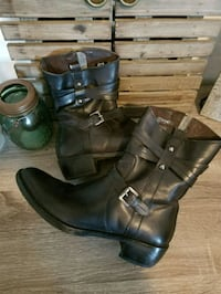 Size 38 geuine leather boots Innisfil, L0L 1W0