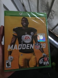 Xbox one madden nfl 19 game case San Bernardino, 92404