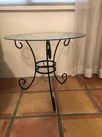 Rod iron glass and table round Tucson, 85747