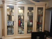 white wooden glass china cabinet Brampton, L6T 1H7