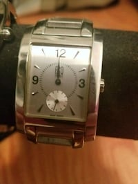 square silver-colored chronograph watch with link bracelet Kelowna, V1Y 2L2
