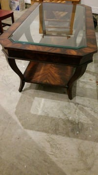 Glass top coffee table Bellaire, 77401