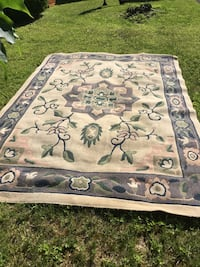 Gray and black floral area rug 319 mi