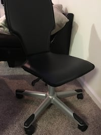 black leather office rolling armchair Snellville, 30078