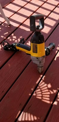 Vendo drill dewalt  Triangle, 22172