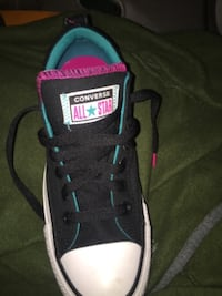 Women's size 6 1/2 chuck taylor all star Madison low top sneakers.