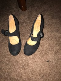 Pair of black suede heeled shoes size 6 Louisville, 40202