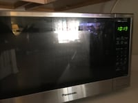 Panasonic 1100w microwave, less than a year old! Woodstock, 30188