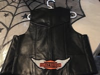 black and white leather zip-up vest Hollister, 95023