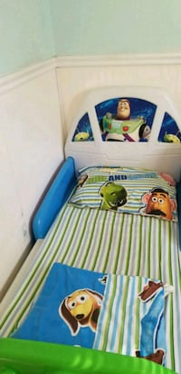 Toy Story Buzz lightyear Rocket Bed Wall Township, 07719