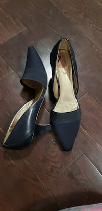 NEW Navy Blue shoes, Size 7.5 Union City, 07087