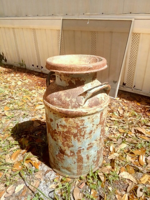 Used Old milk container for sale in Ocala - letgo