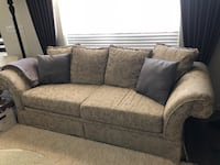 Living Room Sofa set and pillows Roseville, 95747
