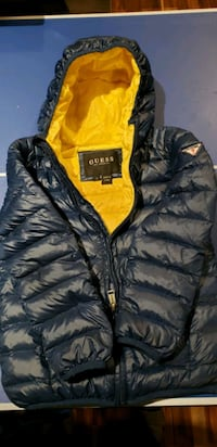 Guess down coat enfant size 7 Montreal, H8N 2Y4