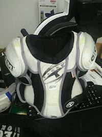 Hockey chest/shoulder pads