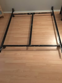 Queen boxspring / steel frame Cambridge, N3H 5C3