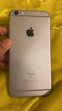 iPhone 7 Plus  Sprint iPhone everything work but has a cracked screen  Washington, 20032