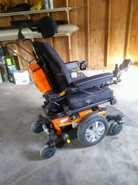 Quantum edge 2.0 power chair like new barely used Mocksville, 27028