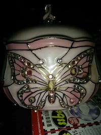 Breast cancer awareness music box Muskegon, 49441
