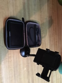 Gps with pouch and charger and stand Millersville, 17551