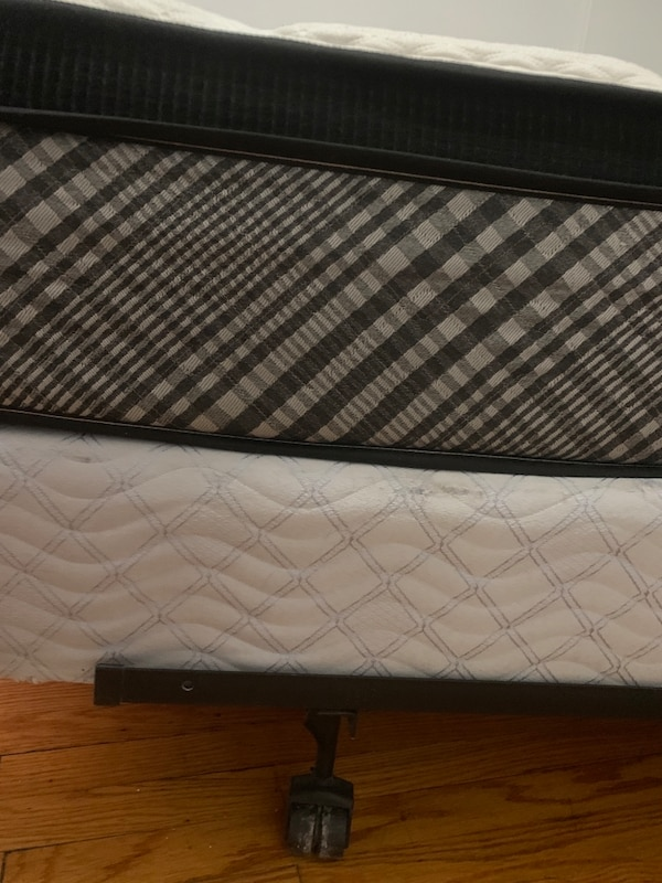 Queen bed, box and frame 0a37a62c-6163-415a-84bb-25dc7b1d0824