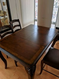Dining room table with expandable leaf Washington, 20001