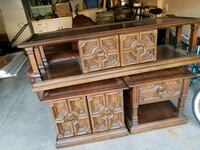 Coffee table with matching end tables Guelph, N1G