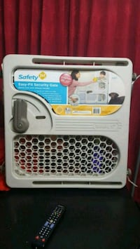 Baby safety gate like new Fremont, 94536