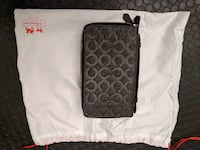 COACH Leather Travel Organizer Wallet Coquitlam