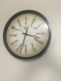 Wall clock with keys design