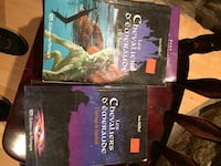 two The Walking Dead books Laval, H7P 1Z7