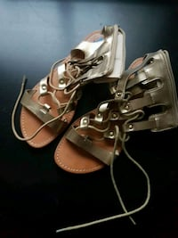 pair of brown leather open-toe heeled sandals Toronto, M2R 3A3