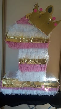 white and pink paper crown decor