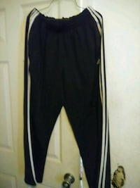 Mens work out pants. 3 pairs. Size M Bakersfield, 93305