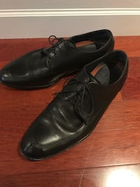 pair of black leather heeled shoes Mississauga, L5L