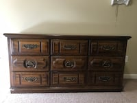 Vintage American Drew oak dresser  Oregon City, 97045