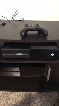 Black xbox one console with controller and 6 games Huntington Beach, 92648