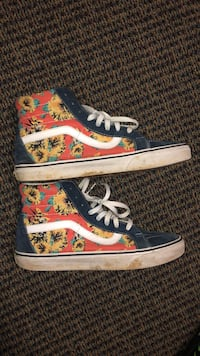 Pair of multicolored vans sk8-hi sneakers 48 km